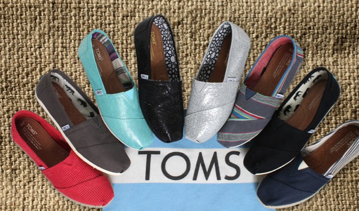 "13e09c12c52ba TOMS Shoes is a footwear brand that is credited with popularizing the  ""one-for-one"" selling format. It all started in 2006"